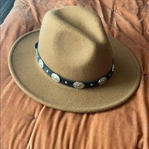 Felt rancher hat